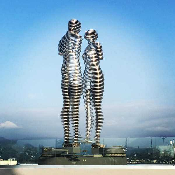 Why Ali and Nino Statue Is A Moving Love Sculpture?
