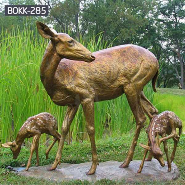 Outdoor Life Size Bronze Doe and Baby Deer Sculptures for Sale