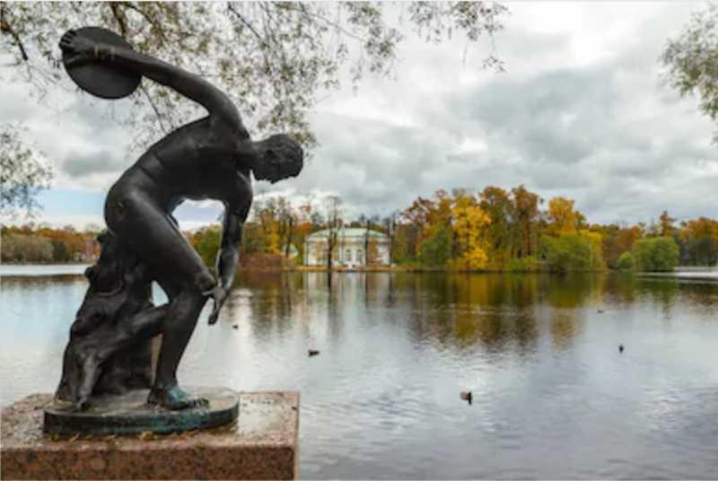 Famous Figure Statue for sale