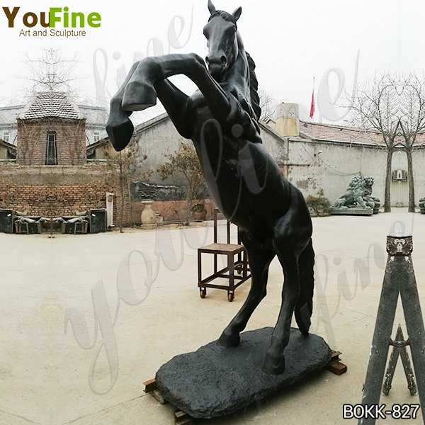 Ancient Black Bronze Jumping Horse Sculpture Suppliers
