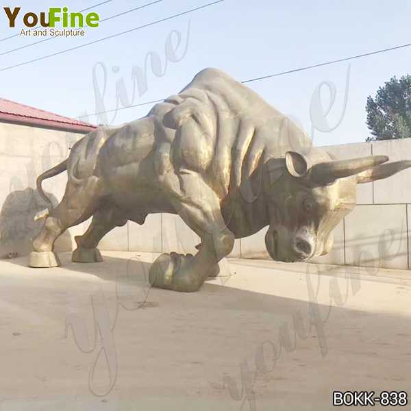 Large Outdoor Bronze Bull Sculpture on Stock for Sale