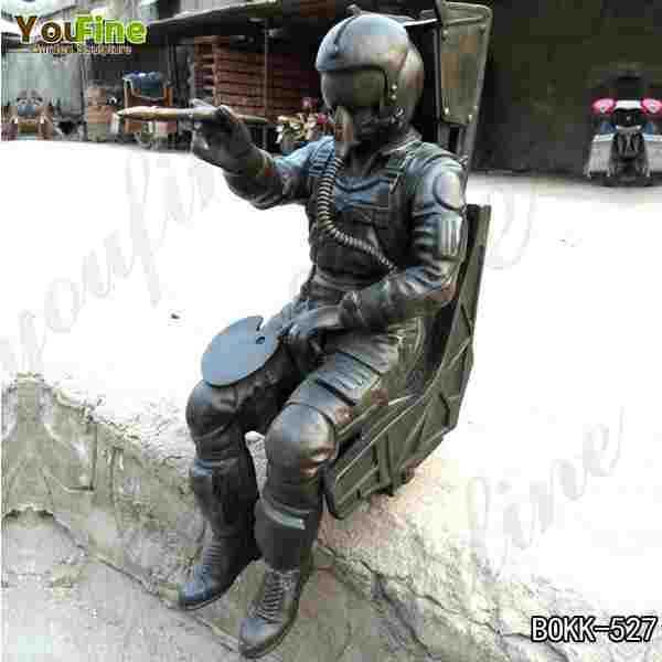Outdoor Military Bronze Spaceman Statue for Garden Decoration Supplier BOKK-527