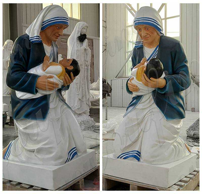 Marble Mother Teresa Holding Baby Statue detials