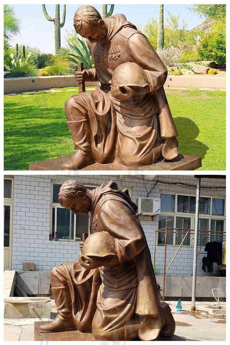 Bronze kneeling Soldier Garden Statue details