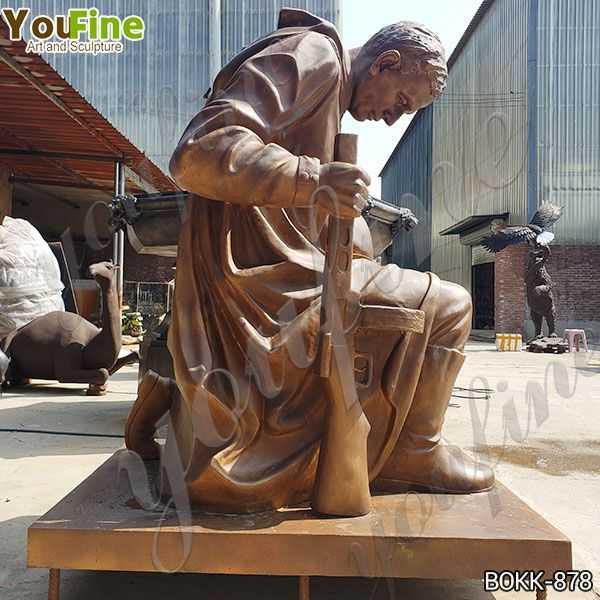 Bronze kneeling Soldier Garden Statue