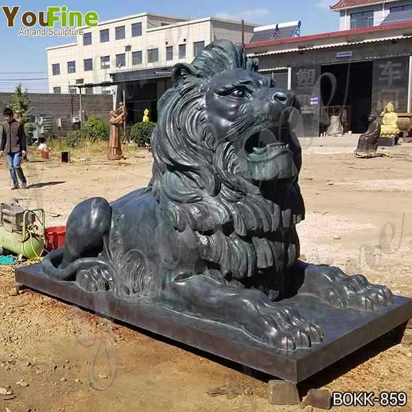 Customized Animal Bronze Lion Sculpture in Front of The Gate