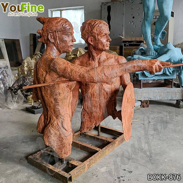 Life Size Man with Shield Bronze Statue Suppliers